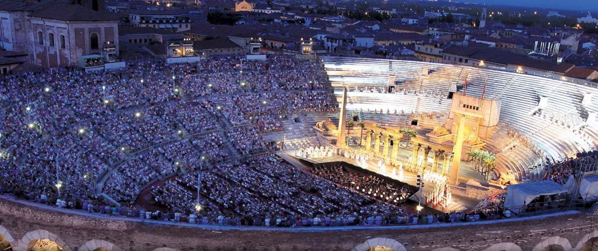 Inaugura l'Arena di Verona Opera Festival 2015: dal 19 giugno al 6 settembre