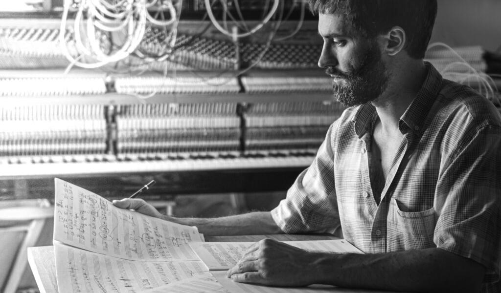 Daniele Sciolla: il suono come disegni circolari